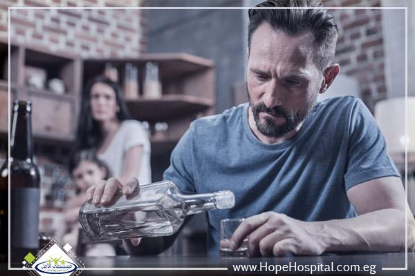 أخطاء الأهل التي تؤدي استمرار الابناء في تعاطي المخدرات