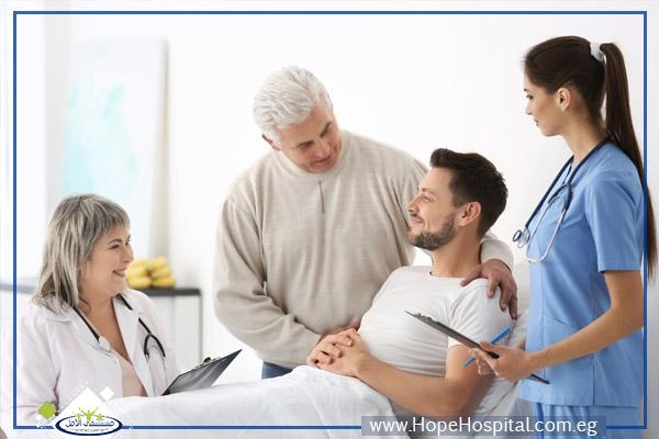 كيفية تعامل الفريق العلاجي مع أسرة مريض الإدمان